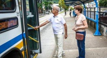 Recadastramento de idosos para a gratuidade nos ônibus em Porto Alegre está aberto